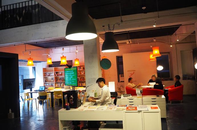 STARTUP CAFÉの店内